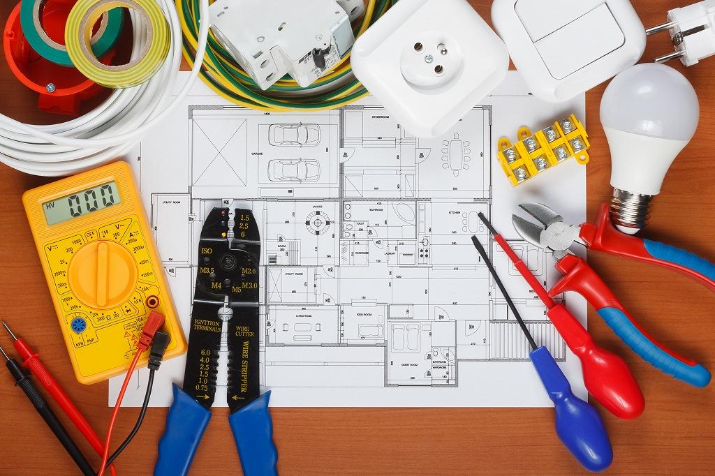 【求人情報】デッキ工事 ・電気設備工事・空調設備工事の現場スタッフ【未経験者も歓迎】